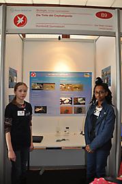 Carlotta Hamann, Sara Yizengaw: Biologie 1. Preis Schüler experimentieren