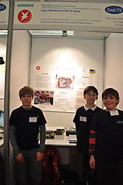 Maximilian Jendrall (Ottfried-Preußler-Grundschule), Jan Marx, Rico Rotar: Technik Schüler experimentieren